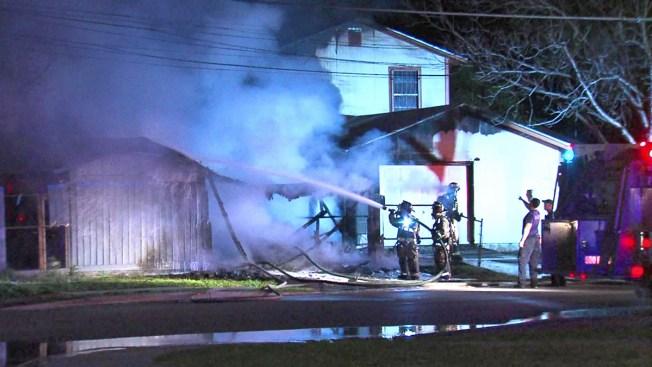 Incendio en apartamento deja hombre herido