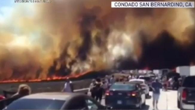 Bajo control el incendio forestal en California
