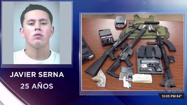 Hallan drogas, armas y chaleco antibalas en casa