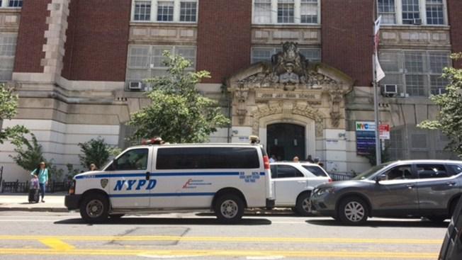 Director musical de escuela renuncia ante escandalo