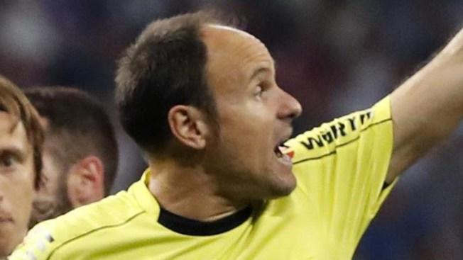 Copa Mundial de la FIFA: árbitros aprenden uso del VAR