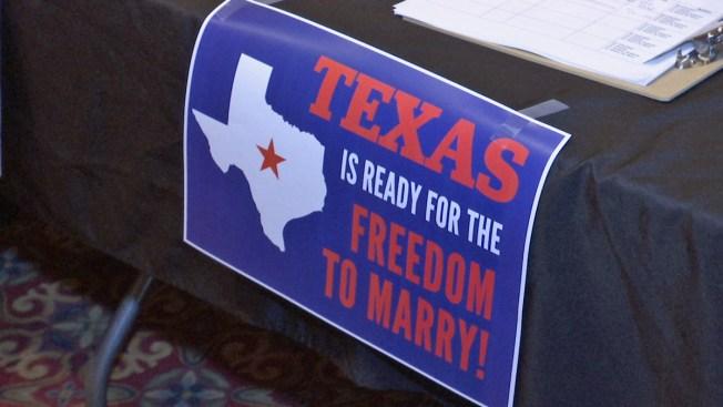 Residentes buscan legalizar matrimonios gay