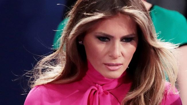 """Melania Trump denuncia a reportero que dijo fue """"escort"""""""