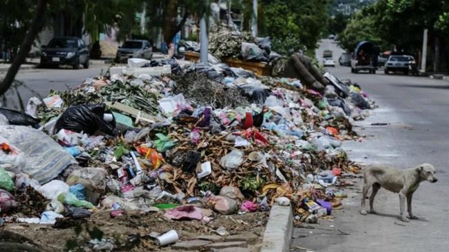 Basura crea una emergencia sanitaria en Acapulco