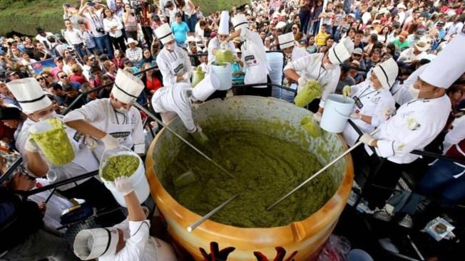 Jalisco logra el Guinness al guacamole más grande