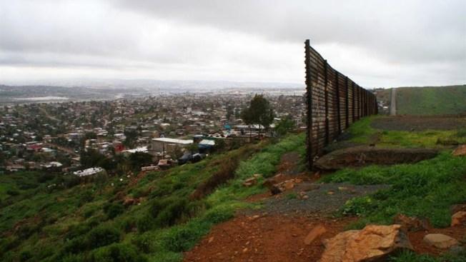 Buscan veto a empresas que participen en muro