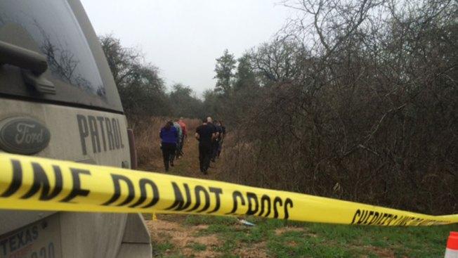 Oficial descubre restos humanos al sur de SA