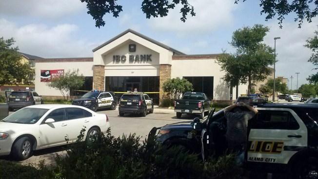 Ladrones golpean a testigos con pistola