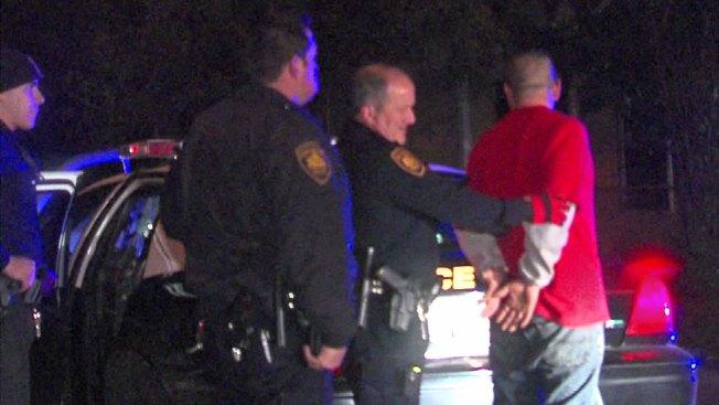 Padre e hijos arrestados por robo de rines