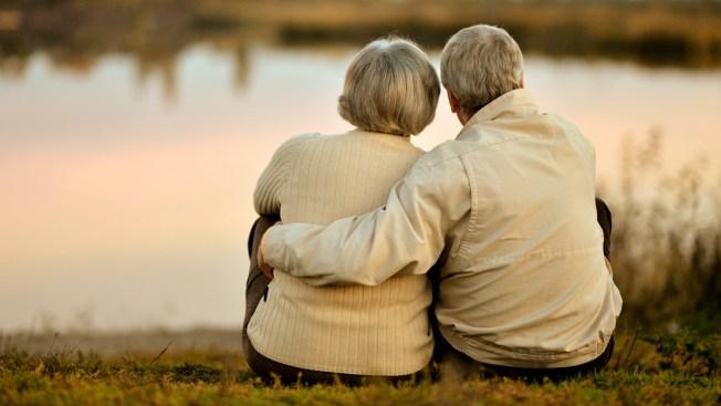Abuelitos mueren juntos tras 75 años casados