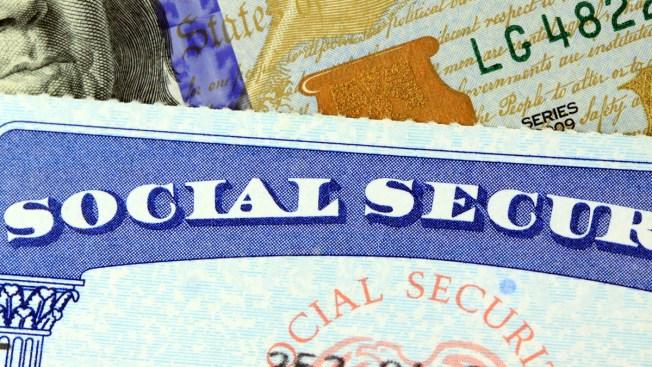 Roban 21 millones de números de seguro social