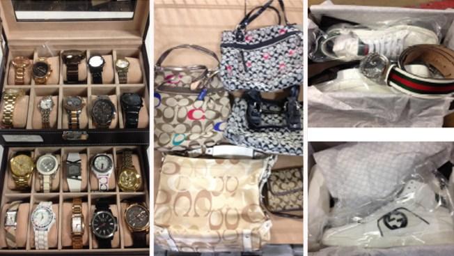 Policía subasta joyas, electrónicos, bolsos y demás