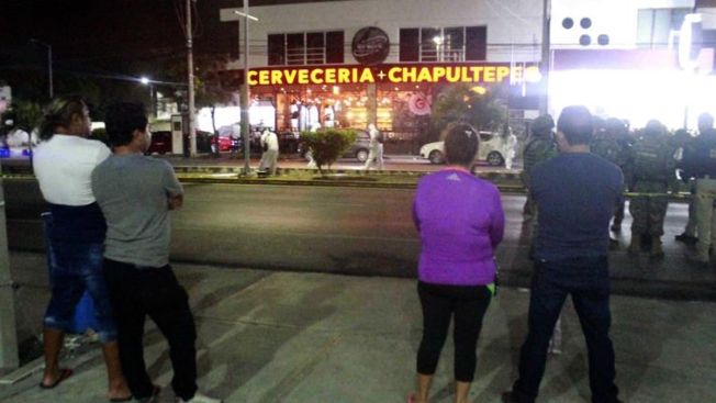 Playa del Carmen: entran a los tiros en un bar; hay un muerto y varios heridos