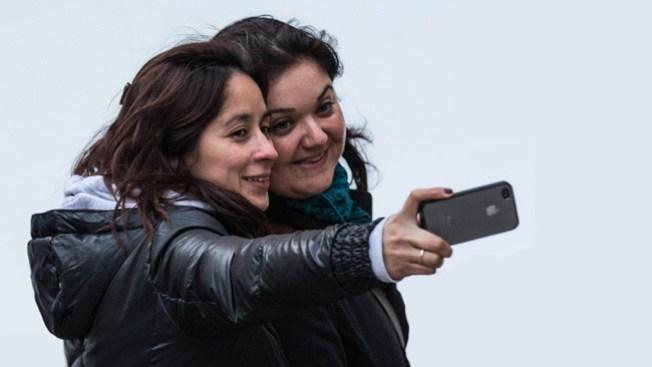 """""""Selfies"""" le abren la puerta a los piojos"""