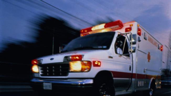 Dos oficiales heridos en pleito de bar