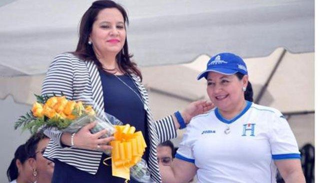P. dama hondureña visita centros ICE