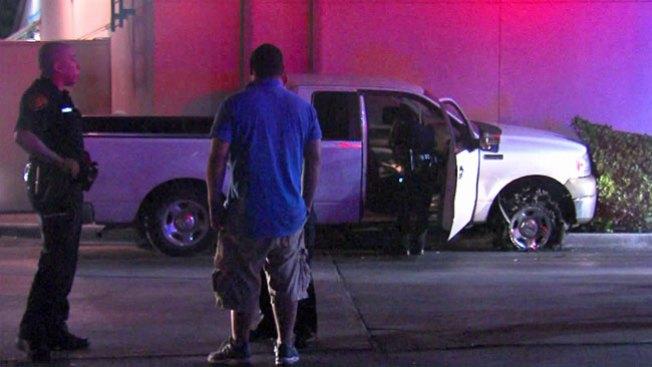 Arrestado tras chocar contra restaurante