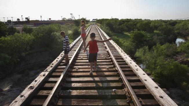 """Niños migrantes, """"desplazados de guerra"""""""