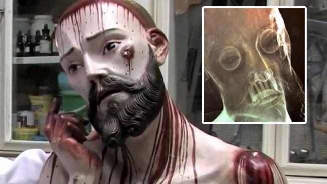 Cristo con dientes asombra a México