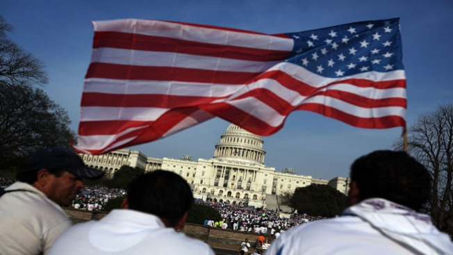 Arrestan a 100 activistas en Washington