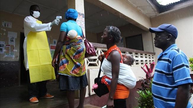 Saqueo en clínica con pacientes de ébola