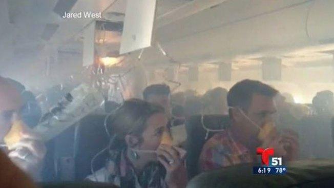 Pánico por explosión en pleno vuelo