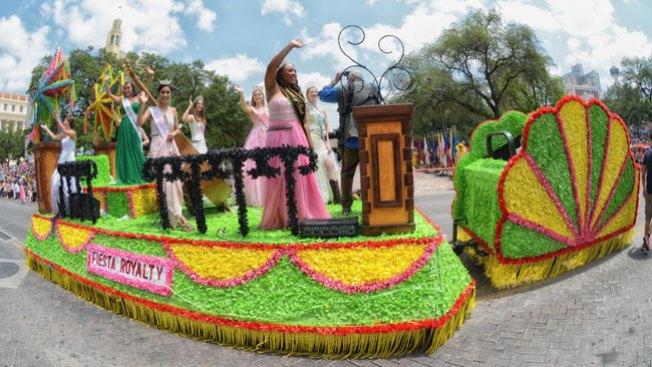 Roban carroza alegórica de Fiesta
