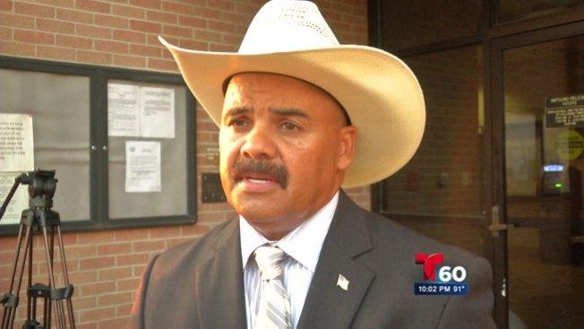 Jefe de policía destituido tras controversia