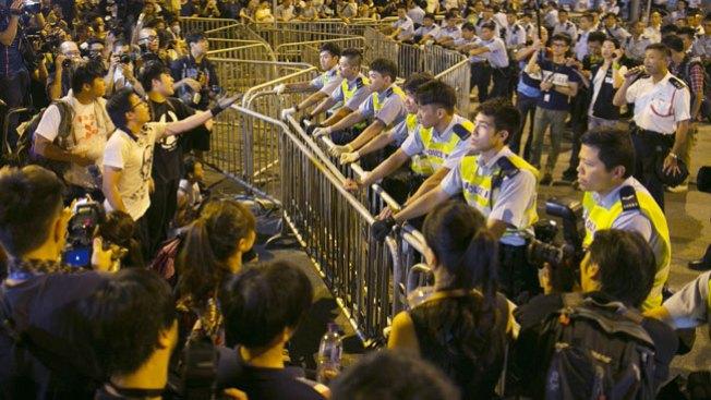 Manifestantes retan al gobierno chino