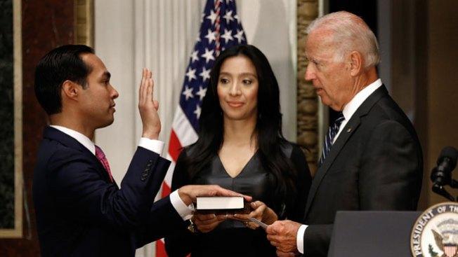 Castro juramentado en la Casa Blanca