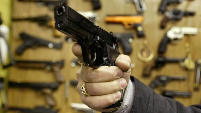 No a venta de alcohol en ferias de armas