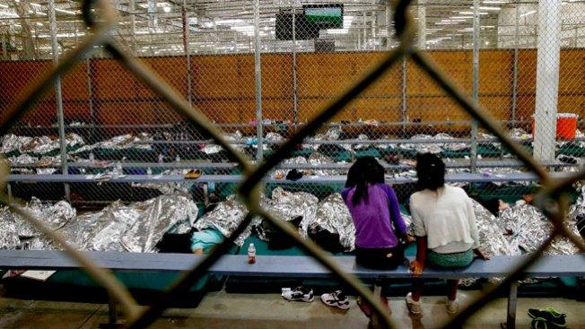 Colecta de artículos para niños migrantes