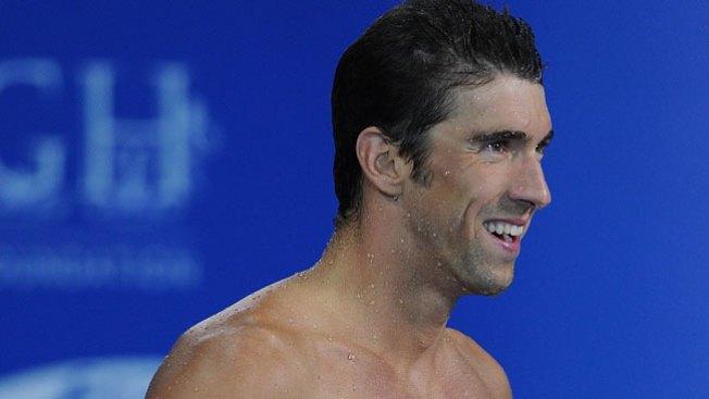 Arrestan a Phelps por conducir ebrio