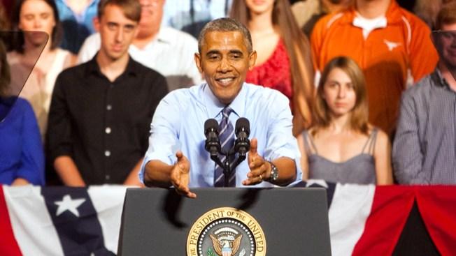 Obama se desvía de la crisis a economía