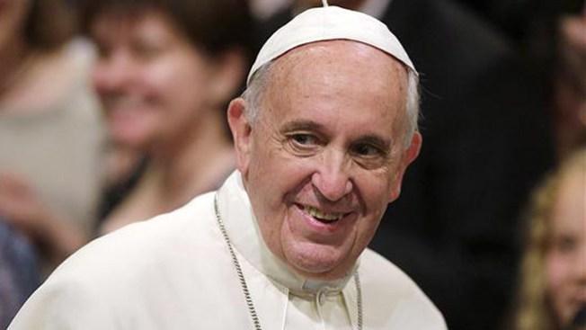 Papa invita a esclavas sexuales a misa