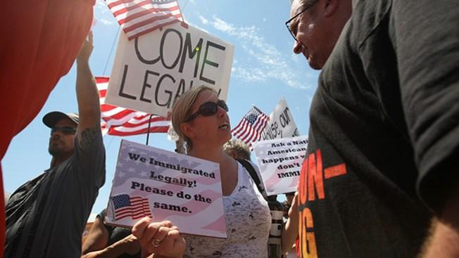 Siguen protestas antiinmigrantes en CA