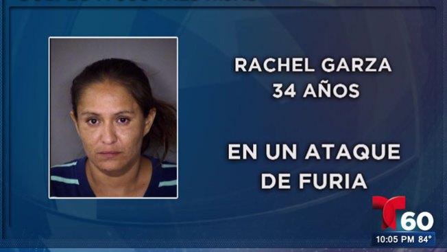 Madre acusada de golpear a sus hijas