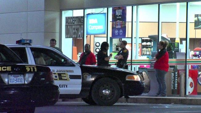 Ladrones arrestados tras chocar auto