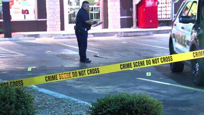Hombre baleado tras atacar a policía