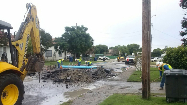 Fuga de agua afecta residentes del este de SA