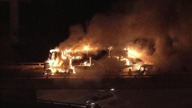 Camión se incendia luego de choque en la I20
