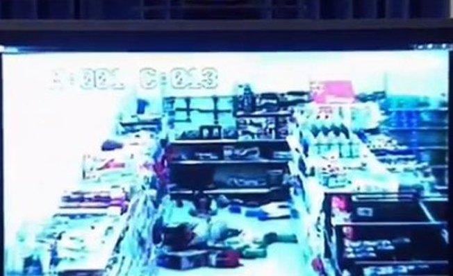 Revelan video de pistoleros en Walmart