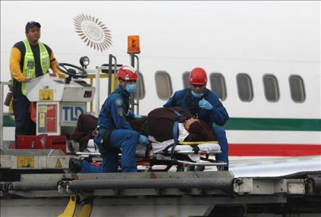 Llegan a México los heridos por ataque en Egipto
