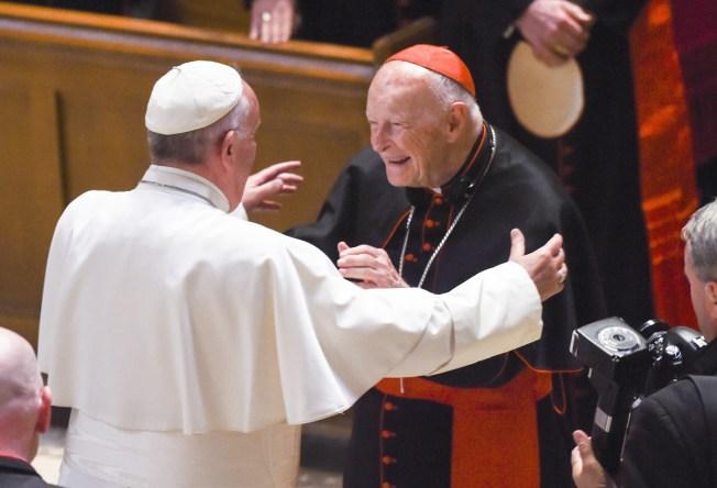 Papa se reunirá con clero de EEUU para examinar escándalo