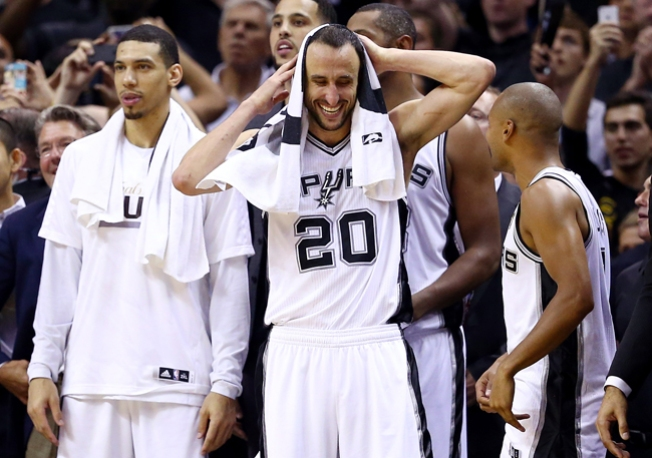 Spurs realiza práctica a puerta abierta en el AT&T