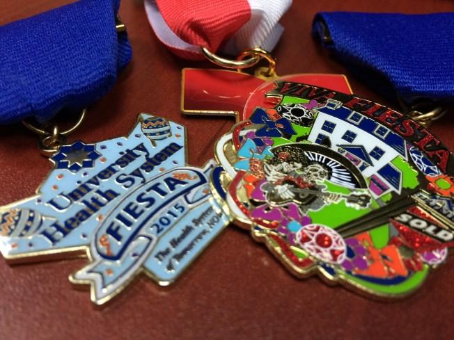 Telemundo presenta medalla de Fiesta