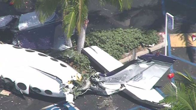 Identificadas víctimas de avión que cayó en centro comercial