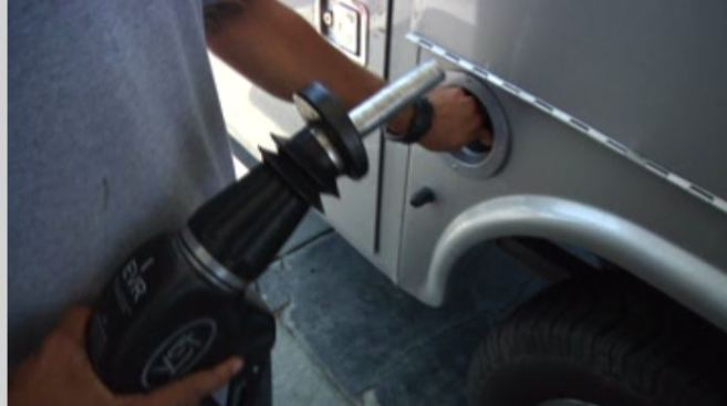 El precio de la gasolina no para de bajar