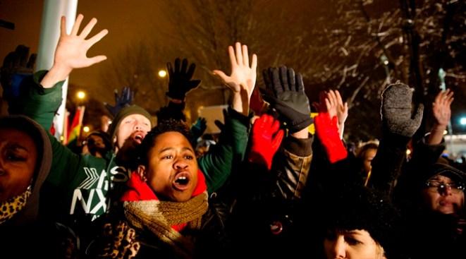 Ferguson: protestas hasta en el mall