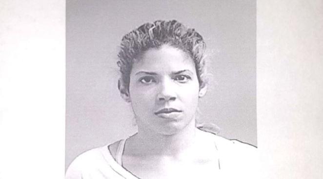 Arrestan a mujer que era buscada por ley 54